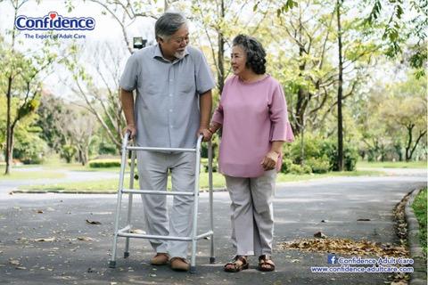 Langkah-langkah Mencegah Resiko Terjadinya Jatuh pada Senior